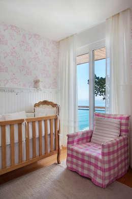 Apartamento Spike: Quarto infantil  por Gisele Taranto Arquitetura