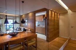 Salle à manger de style de style Moderne par Gisele Taranto Arquitetura