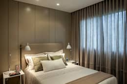 غرفة نوم تنفيذ Gisele Taranto Arquitetura