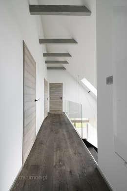 Коридор и прихожая в . Автор – MINIMOO Architektura Wnętrz