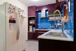 Kitchen: modern Kitchen by Kriyartive Interior Design