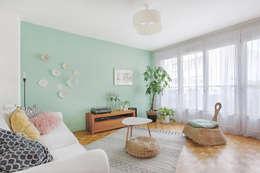 tropical Living room by MON OEIL DANS LA DECO