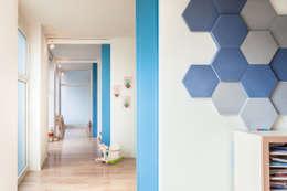 Pasillos y recibidores de estilo  por Stefano Ferrando
