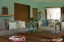 Ruang Keluarga by MARIANGEL COGHLAN