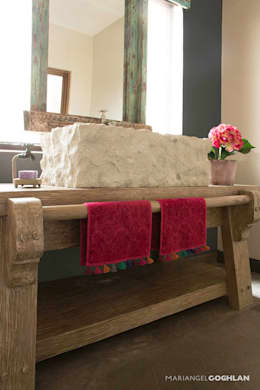 Baño: Baños de estilo  por MARIANGEL COGHLAN
