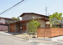 Garages & sheds by 藤松建築設計室