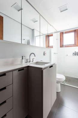 Ateliê 7 arquitetura e design integrados: minimal tarz tarz Banyo