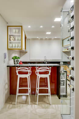 modern Kitchen by Juliana Lahóz Arquitetura