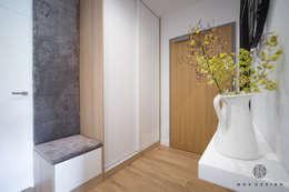 Ingresso & Corridoio in stile  di MOA design