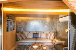 Cave à vin de style de style Moderne par Nico Van Der Meulen Architects