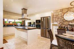 Mimode Mimarlık/Architecture – ÇEŞME VİLLA H.B.: modern tarz Mutfak
