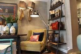 غرفة المعيشة تنفيذ Amber Road - Design + Contract