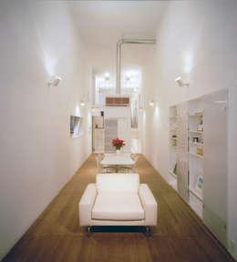 modern Living room by 星設計室
