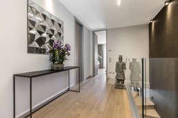 Pasillos y recibidores de estilo  por NG-STUDIO Interior Design