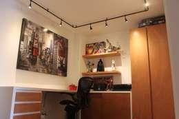 Estudio: Estudios y oficinas de estilo moderno por Home Reface - Diseño Interior CDMX