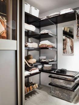 Vestidores y placares de estilo clásico por Elfa Deutschland GmbH