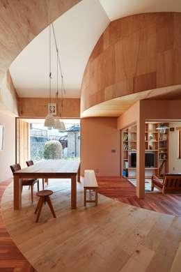 ห้องทานข้าว by 藤原・室 建築設計事務所