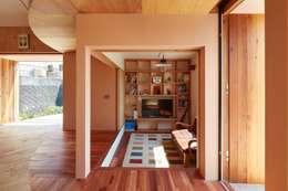 ห้องนั่งเล่น by 藤原・室 建築設計事務所