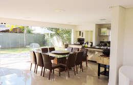 moderne Keuken door Cecyn Arquitetura + Design