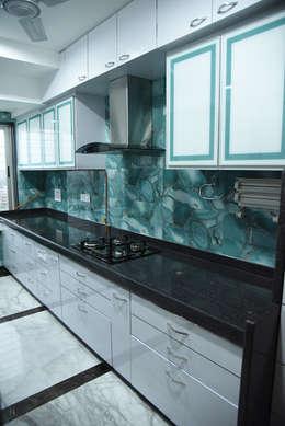Cocinas de estilo minimalista por Ornate Consultants