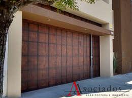 19 puertas y portones que te van a encantar for Saguan de madera