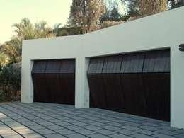 Garajes de estilo  por Conely