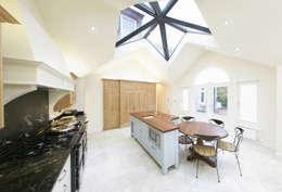 modern Kitchen by Sculleries of Stockbridge