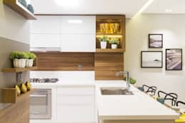 Cocinas de estilo moderno por Juliana Agner Arquitetura e Interiores