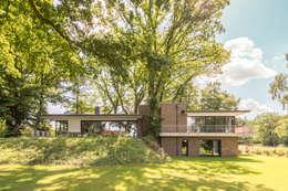 Projekty, nowoczesne Domy zaprojektowane przez Hellmers P2   Architektur & Projekte