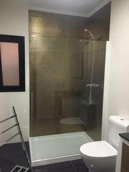 Projekty,  Łazienka zaprojektowane przez KITUR