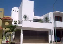 Casa Minimal 1: Casas de estilo minimalista por T+E ARQUITECTOS