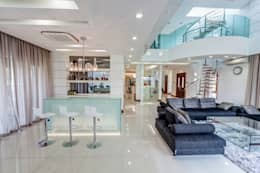 Salas / recibidores de estilo minimalista por Design Spirits