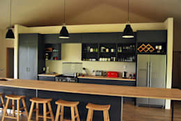 Cocinas de estilo moderno por Capital Kitchens cc