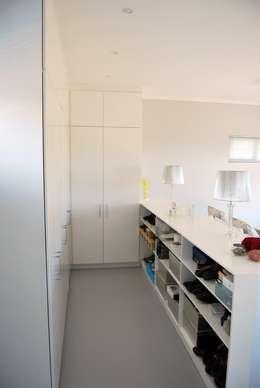 Cuartos de estilo moderno por Capital Kitchens cc