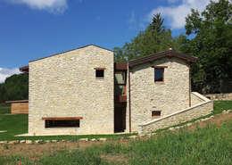 บ้านและที่อยู่อาศัย by Stefano Zaghini Architetto