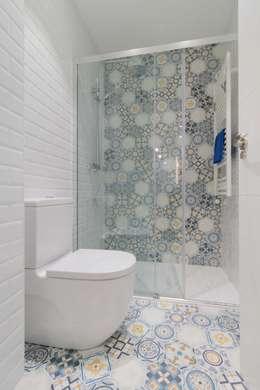 Projekty,  Łazienka zaprojektowane przez Become a Home
