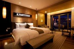 Habitaciones de estilo moderno por Gracious Luxury Interiors
