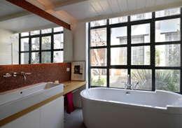 Ванные комнаты в . Автор – Fabio Azzolina Architetto