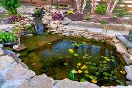 Jardines de estilo rural por Bio Göl Havuz (Biyolojik Gölet ve Havuz Yapısalları)