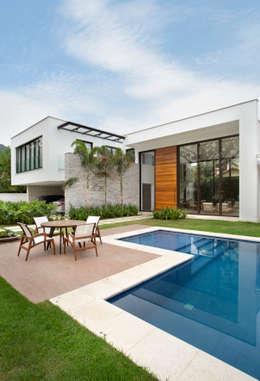 Piscines  de style  par Amanda Miranda Arquitetura
