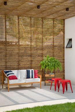 Varanda: Terraços  por Amanda Miranda Arquitetura