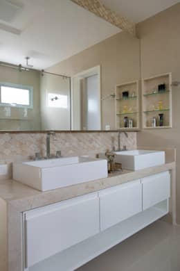 Baños de estilo moderno por Amanda Miranda Arquitetura
