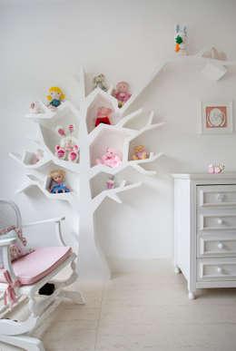 Cuartos infantiles de estilo moderno por Amanda Miranda Arquitetura