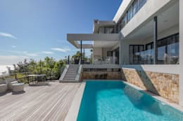 HOUSE  I  CAMPS BAY, CAPE TOWN  I  MARVIN FARR ARCHITECTS: modern Houses by MARVIN FARR ARCHITECTS