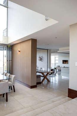 Comedores de estilo moderno por FRANCOIS MARAIS ARCHITECTS