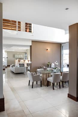 Residence Naidoo: modern Dining room by FRANCOIS MARAIS ARCHITECTS