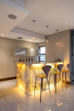 Residence Naidoo: modern Kitchen by FRANCOIS MARAIS ARCHITECTS