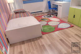 classic Nursery/kid's room by Perfect Space