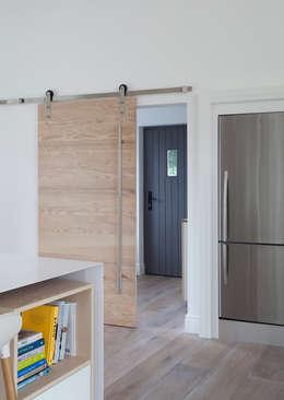 Corridor & hallway by Designer Kitchen by Morgan