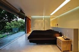 Incredible modern house in the heart of Ballito: modern Bedroom by CA Architects